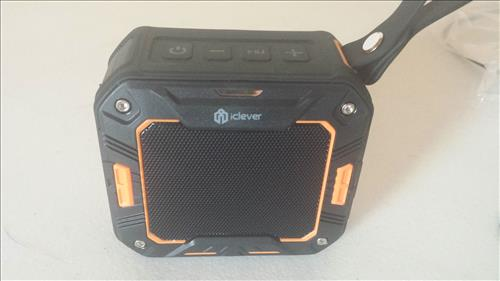 Review iClever IC-BTS03 Portable Waterproof Outdoor Bluetooth Speaker