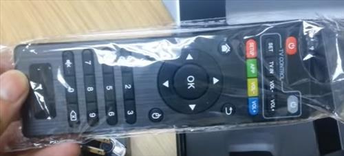 Review EM95 64Bit Amlogic S905 Quad Core KODI Box Overview and Setup remote control