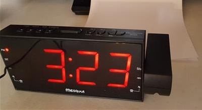 review mesqool am fm digital dimmable projection alarm clock radio wirelesshack. Black Bedroom Furniture Sets. Home Design Ideas