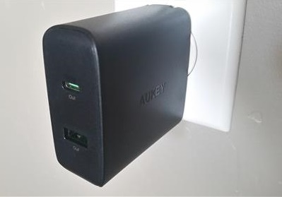 Review Aukey USB-C Wall Charger Wall