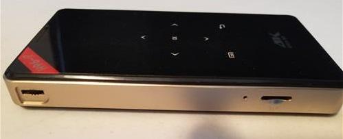 Review H96 P DLP Mini 100 Lumens 4K Projector Left Side