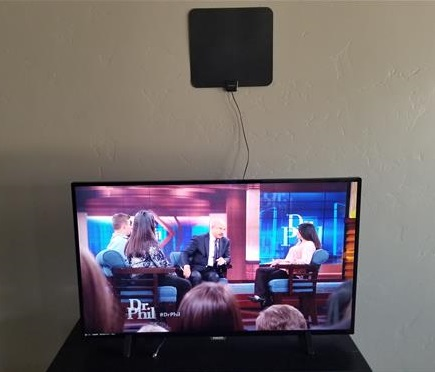 Review Globmall 60 Mile Range Indoor Amplified TV Antenna 7