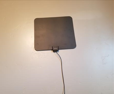 Review Globmall 60 Mile Range Indoor Amplified TV Antenna Mounted on Wall