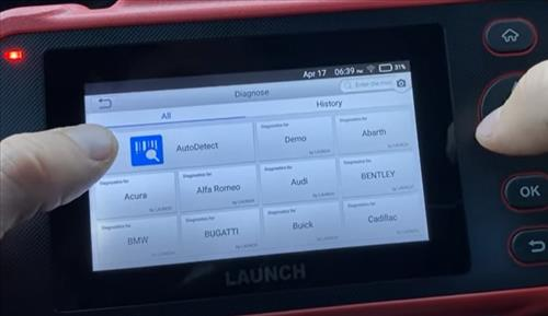 Review LAUNCH Creader123i OBD2 Code Scan Tool with ABS and SRS 7