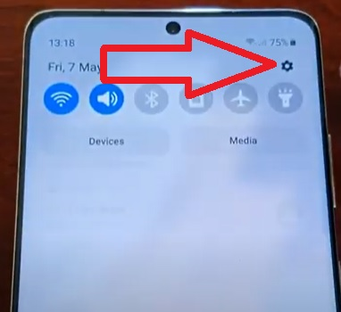 How To Turn Off Disable 5G On a Samsung Galaxy S21 Step 1